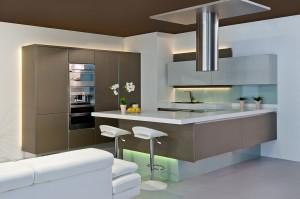 2. Kuchyně VALENCIE s bezuchýtkovým řešením otvírání